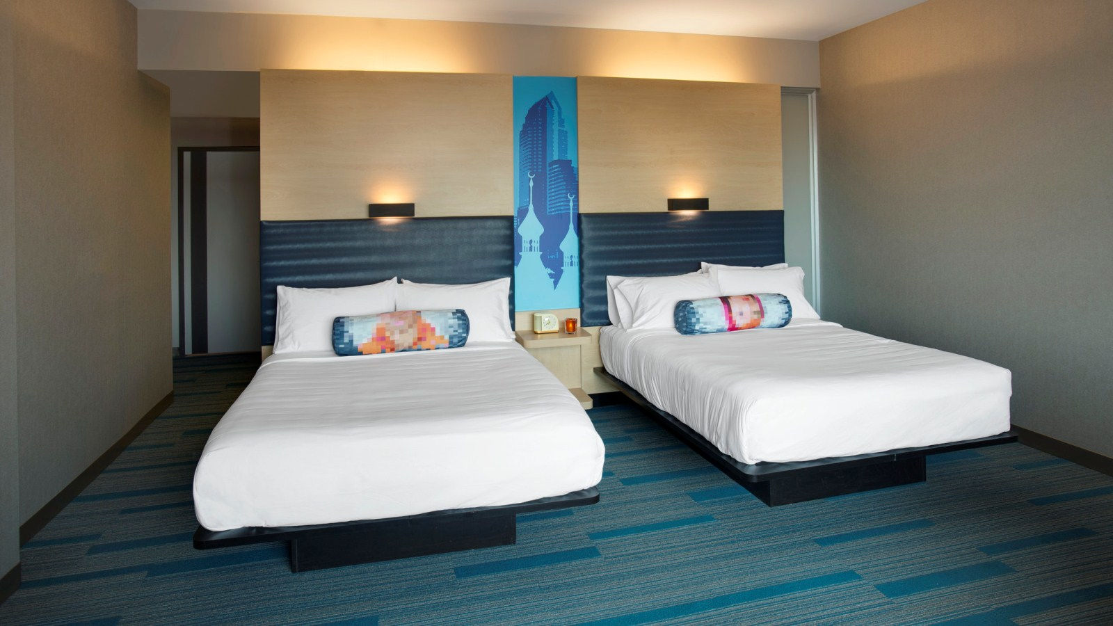 Tampa Accommodations - Aloft Queen Room