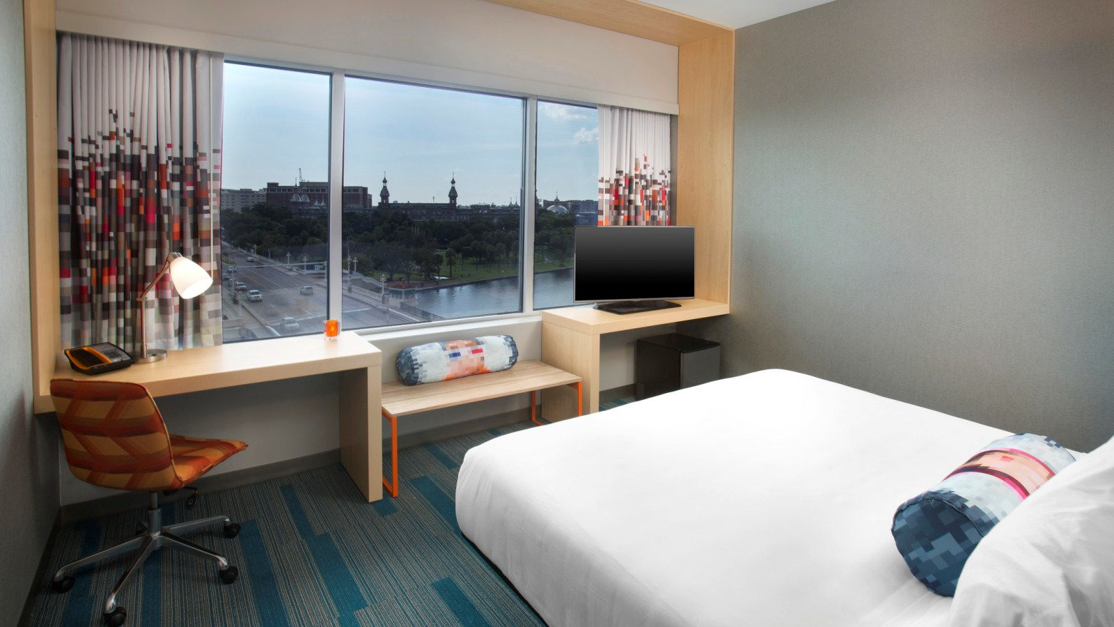 Tampa Accommodations - Aloft Ultra Savvy Suite